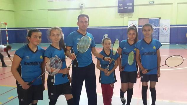 KAB Ortaokullu kızlar Isparta Badminton şampiyonu