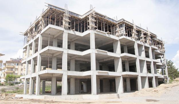 Belediyenin konut inşaatı tam hız ilerliyor