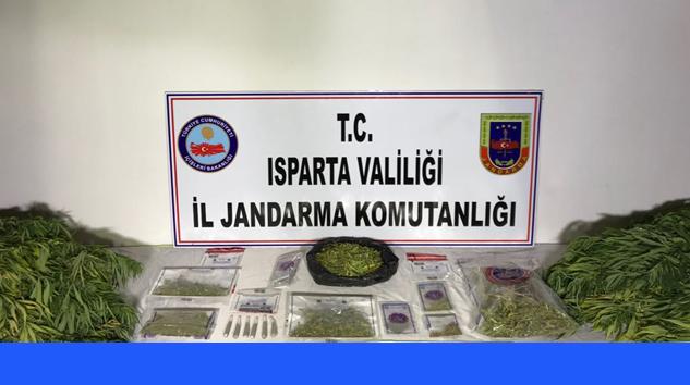 Jandarmadan Yalvaç ve Sücüllü'de Uyuşturucu Operasyonu