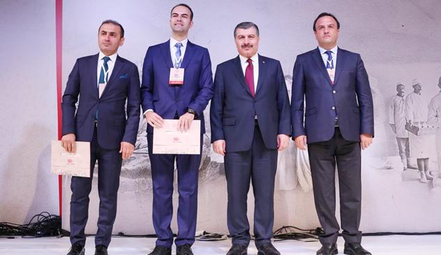 Yalvaç'tan İlker Ersoy'a Yılın Başarılı Hekimi Ödülü