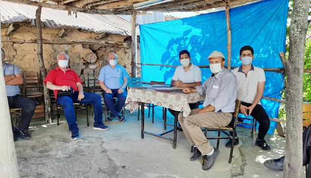 CHP Teşkilatları'ndan Körküler'e ziyaret ve yardım kolisi dağıtımı