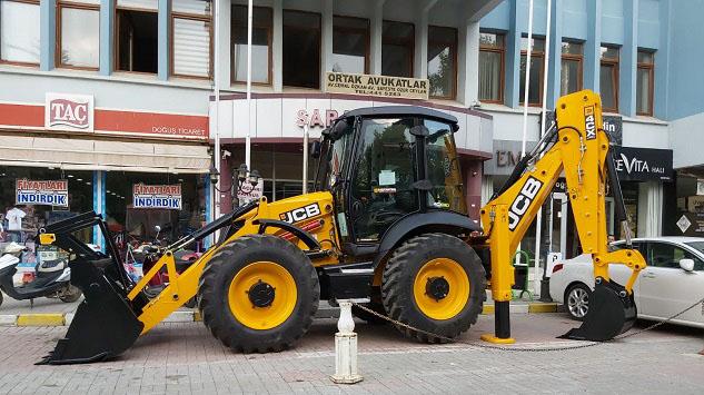 Yalvaç Belediyesi araç parkını genişletmeye devam ediyor
