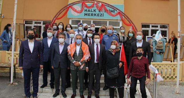 Yalvaç HEM'in YILSONU SERGİSİ Açıldı